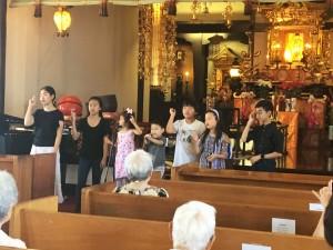 Group singing&sign language2